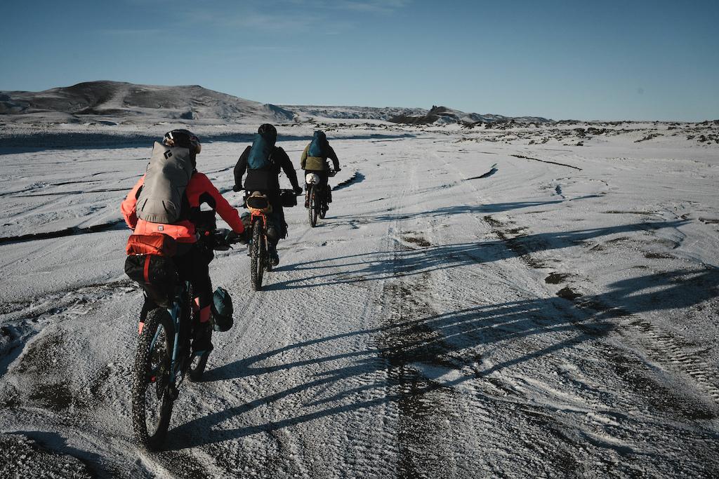 Bikepacking Iceland: Μία γραμμή στην άμμο