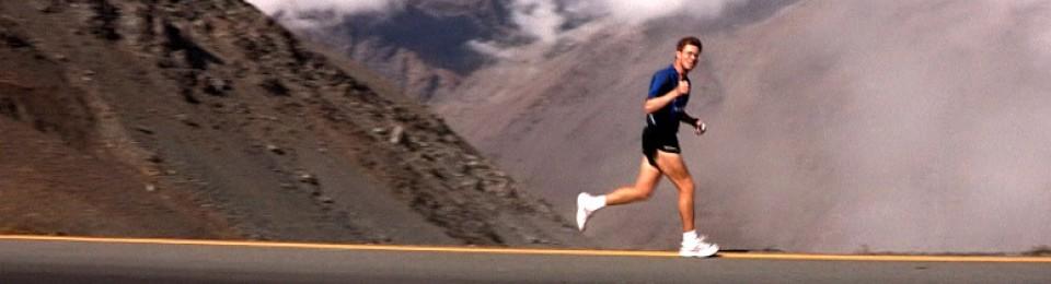 Ο Jesper Olsen τρέχοντας το γύρο του κόσμου