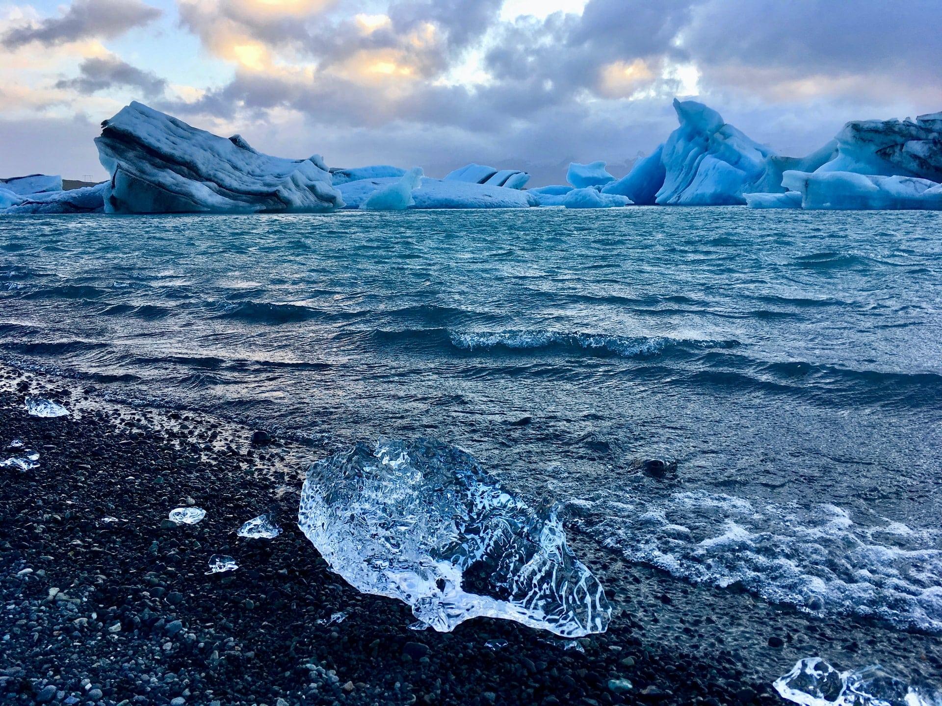 Αρκτικός Ωκεανός: Η κλιματική αλλαγή λιώνει τους πάγους και τρομάζει τους επιστήμονες
