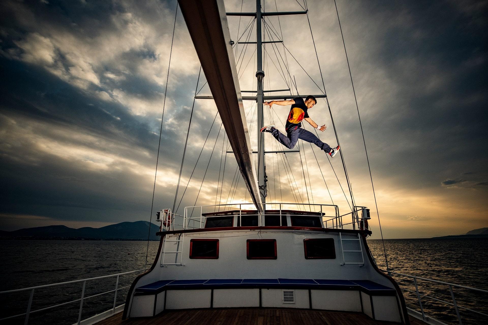 Το Red Bull Art of Motion «βάζει πλώρη» για Μικρολίμανο