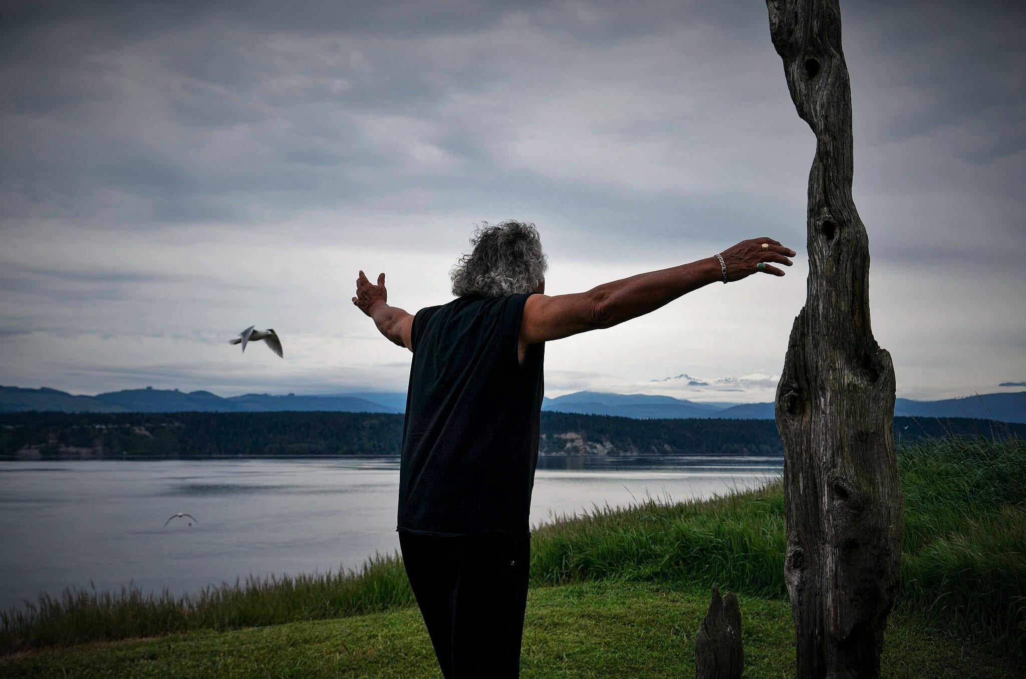 Ένας άντρας, ένα νησί: Ο προστάτης των πουλιών ζει το δικό του όνειρο